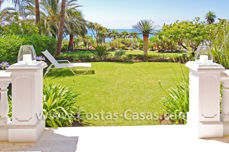 Exclusive beachfront apartment for sale, New Golden Mile, Marbella - Estepona