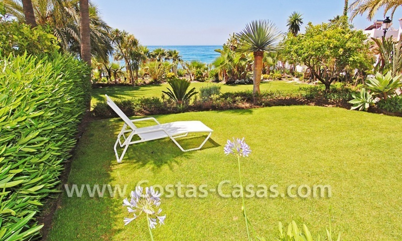 Exclusive beachfront apartment for sale, New Golden Mile, Marbella - Estepona 1