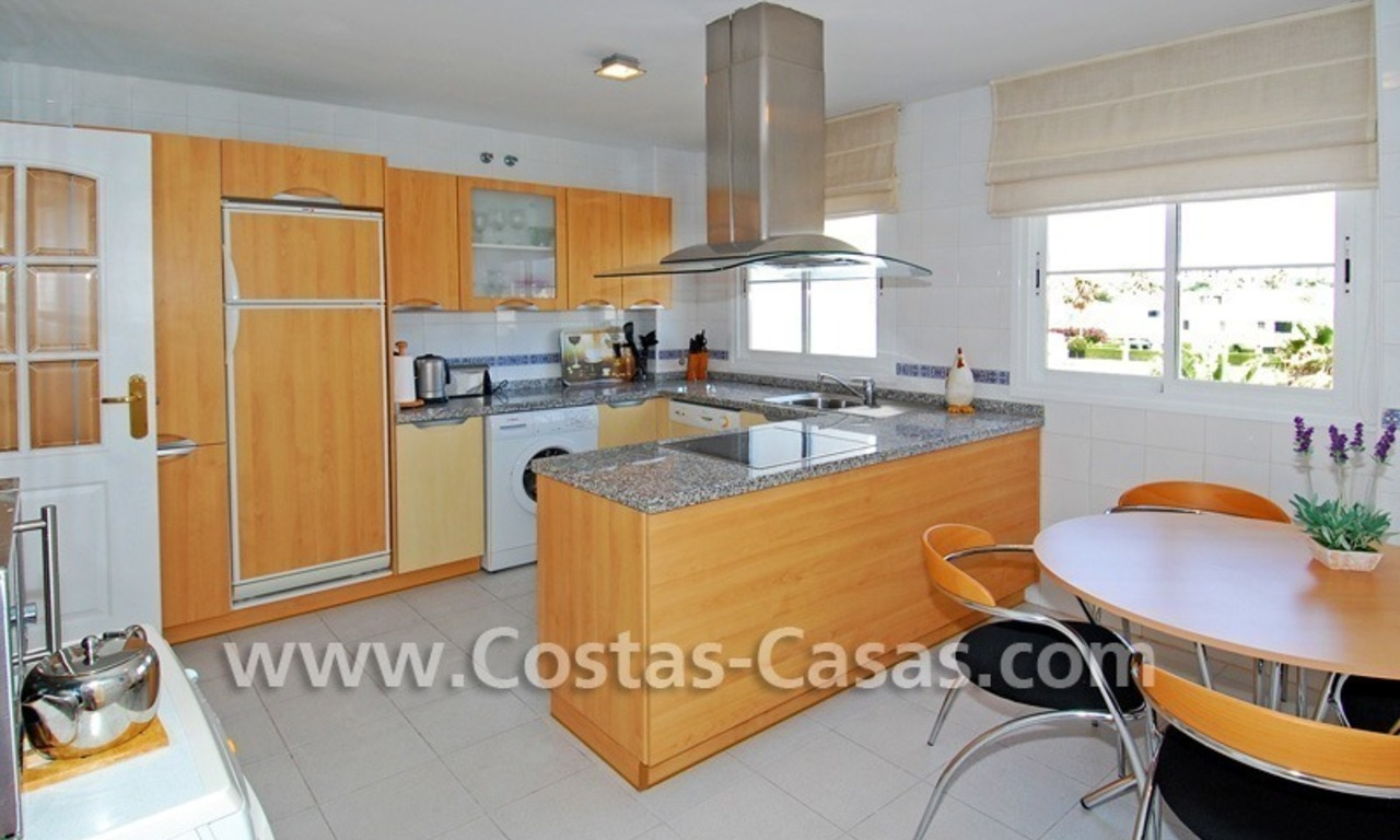 4-bedroomed penthouse apartment for sale on the beachfront complex in Marbella 12