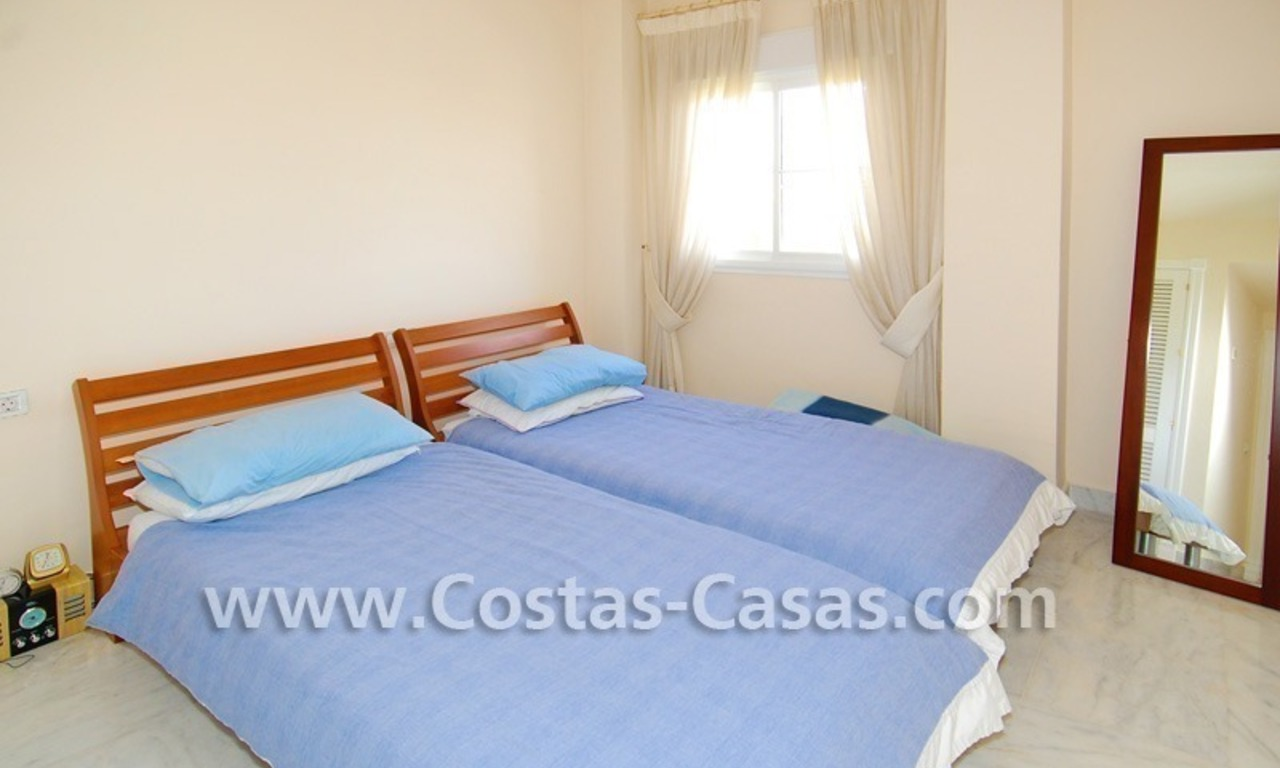 4-bedroomed penthouse apartment for sale on the beachfront complex in Marbella 14