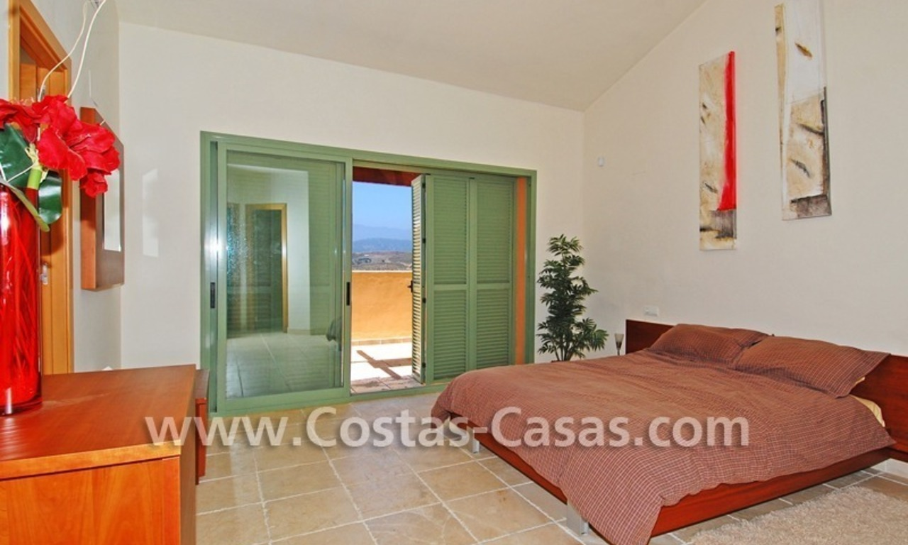 Bargain luxury golf penthouse apartment to buy in a golf resort, Benahavis - Estepona - Marbella 6