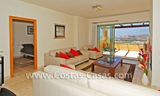 Bargain luxury golf penthouse apartment to buy in a golf resort, Benahavis - Estepona - Marbella 4