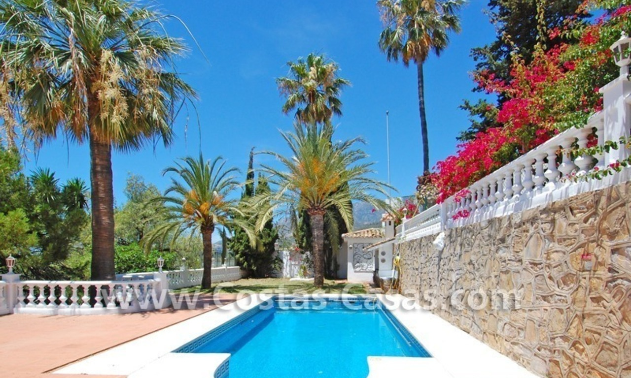 Bargain andalusian styled villa for sale in Marbella 0