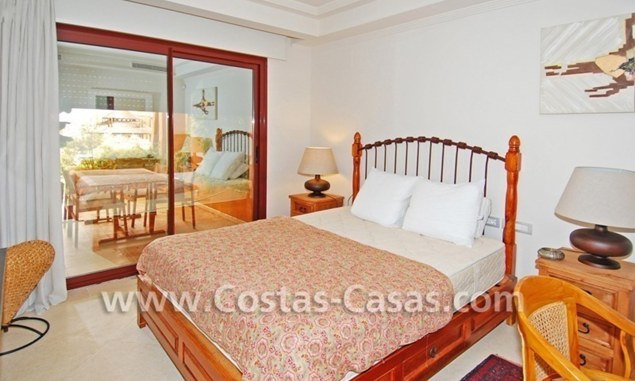 Luxury apartment to buy in a beachfront complex, New Golden Mile, Marbella - Estepona 6