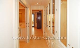 Luxury apartment to buy in a beachfront complex, New Golden Mile, Marbella - Estepona 8