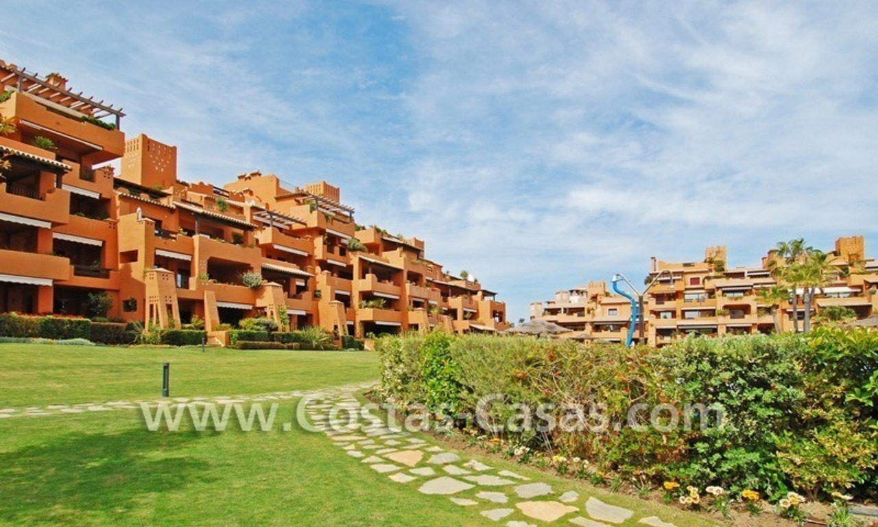 Luxury apartment to buy in a beachfront complex, New Golden Mile, Marbella - Estepona 12