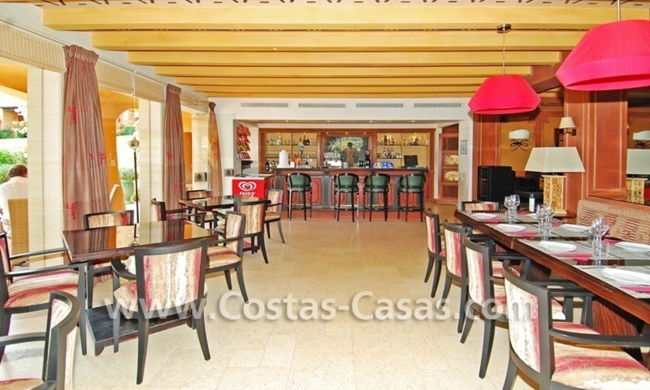 Luxury apartment to buy in a beachfront complex, New Golden Mile, Marbella - Estepona 13