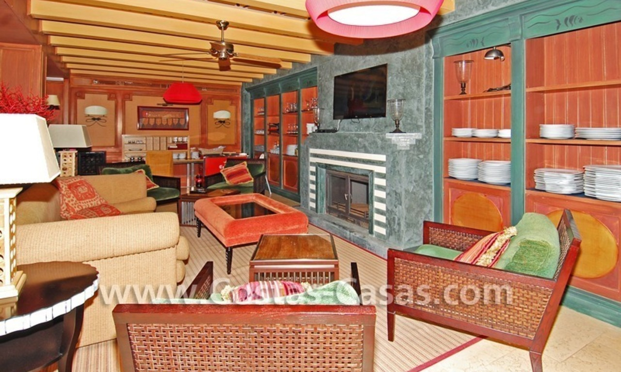 Luxury apartment to buy in a beachfront complex, New Golden Mile, Marbella - Estepona 14