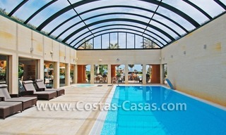 Luxury apartment to buy in a beachfront complex, New Golden Mile, Marbella - Estepona 18