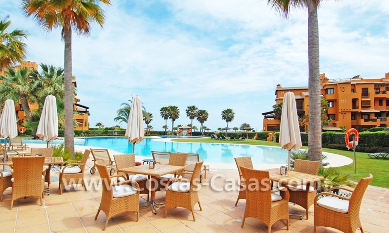 Luxury apartment for sale in a front line beach complex, New Golden Mile, between Marbella and Estepona 0
