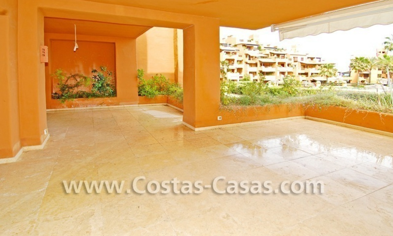 Luxury apartment for sale in a front line beach complex, New Golden Mile, between Marbella and Estepona 2
