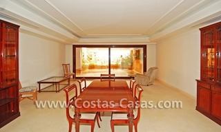 Luxury apartment for sale in a front line beach complex, New Golden Mile, between Marbella and Estepona 3