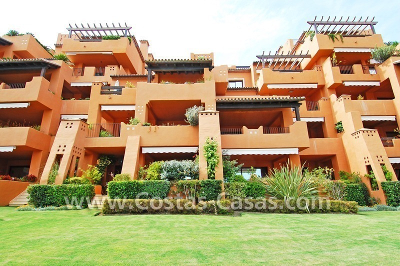 Luxury apartment for sale in a front line beach complex, New Golden Mile, between Marbella and Estepona 11