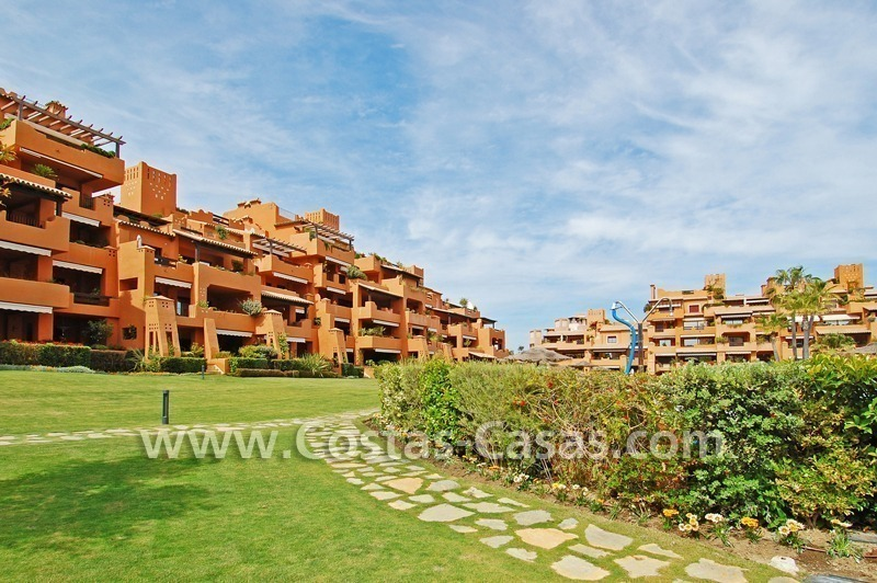 Luxury apartment for sale in a front line beach complex, New Golden Mile, between Marbella and Estepona 12