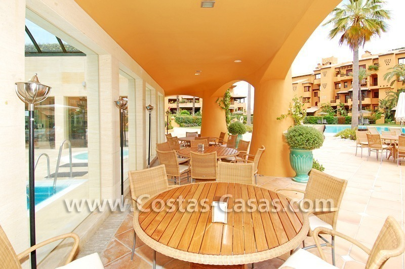 Luxury apartment for sale in a front line beach complex, New Golden Mile, between Marbella and Estepona 16