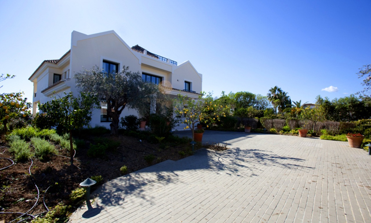 Modern Andalusian mansion for sale on the Golden Mile in Marbella 30