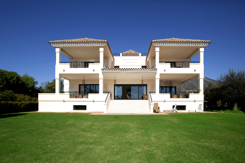 Modern Andalusian mansion for sale on the Golden Mile in Marbella