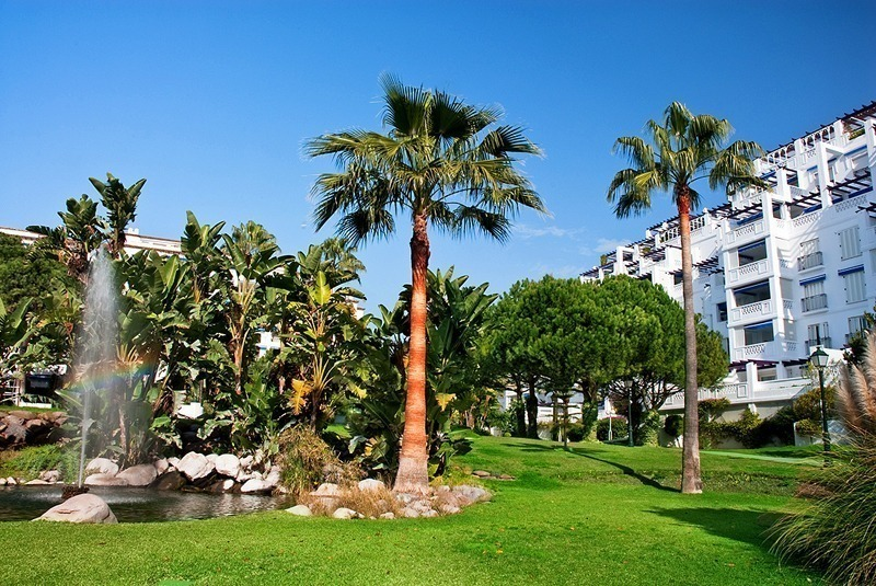 Beachfront luxury apartment for sale in Puerto Banus – Marbella 13