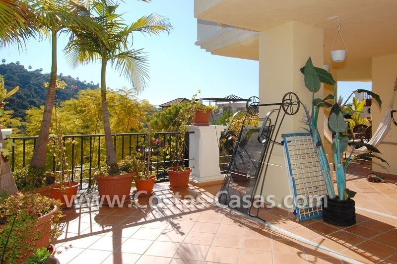 Golf apartment for sale in a gated first line golf complex, Marbella – Benahavis 1