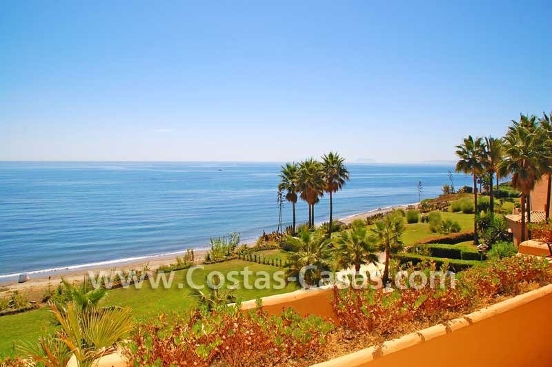 Luxury frontline beach apartment for sale, first line beach complex, New Golden Mile, Marbella -Estepona