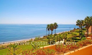 Luxury frontline beach apartment for sale, first line beach complex, New Golden Mile, Marbella -Estepona 0