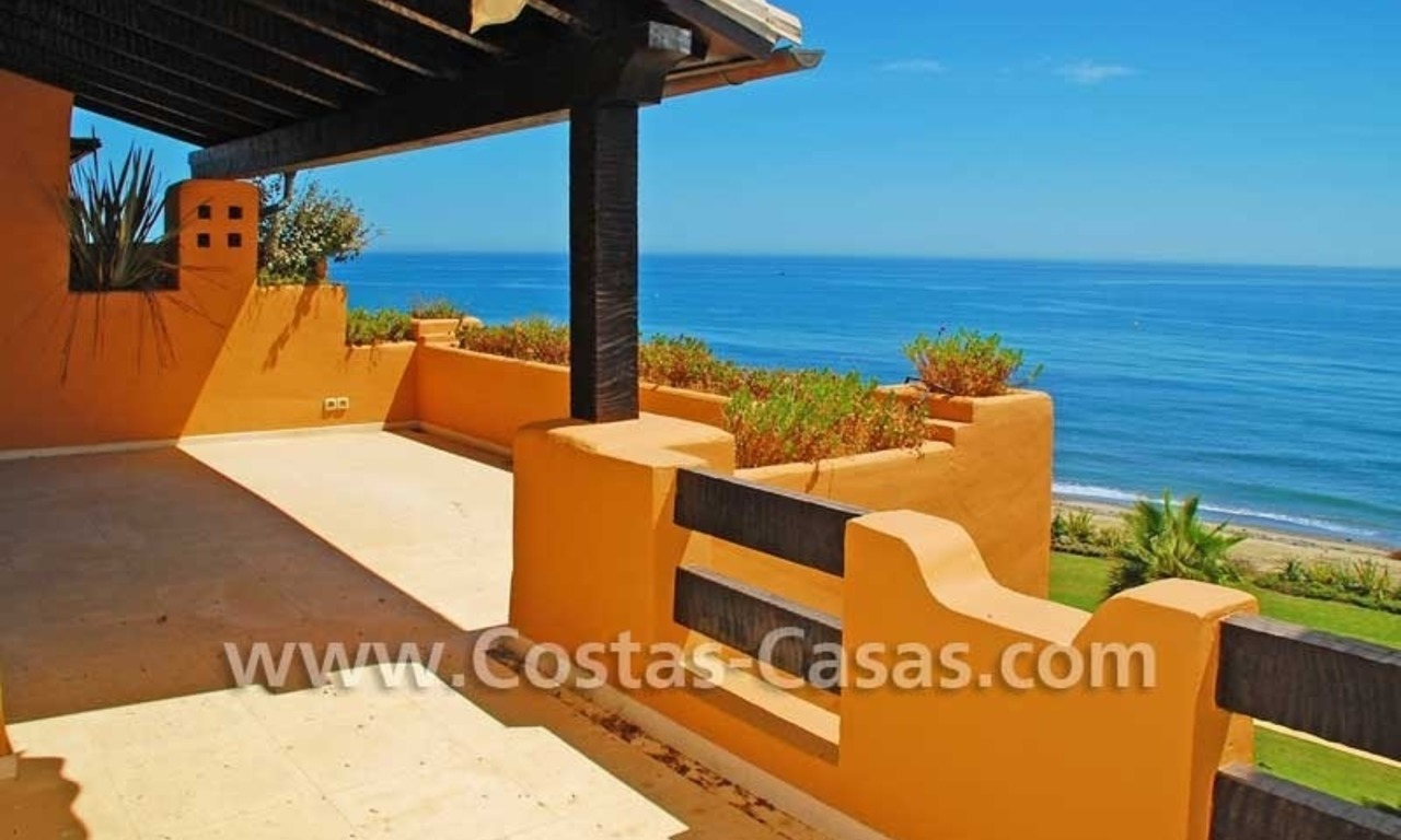 Luxury frontline beach apartment for sale, first line beach complex, New Golden Mile, Marbella -Estepona 4