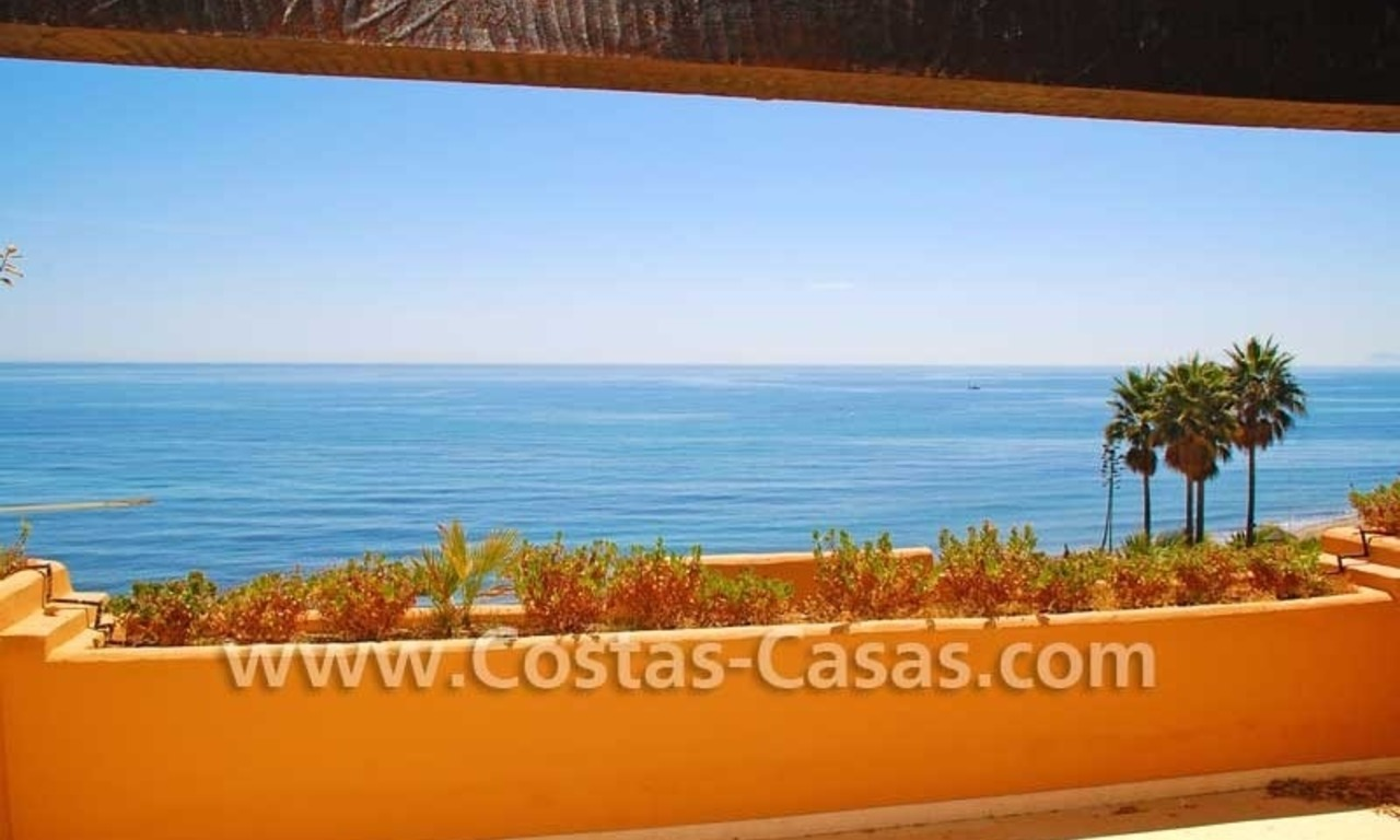 Luxury frontline beach apartment for sale, first line beach complex, New Golden Mile, Marbella -Estepona 3