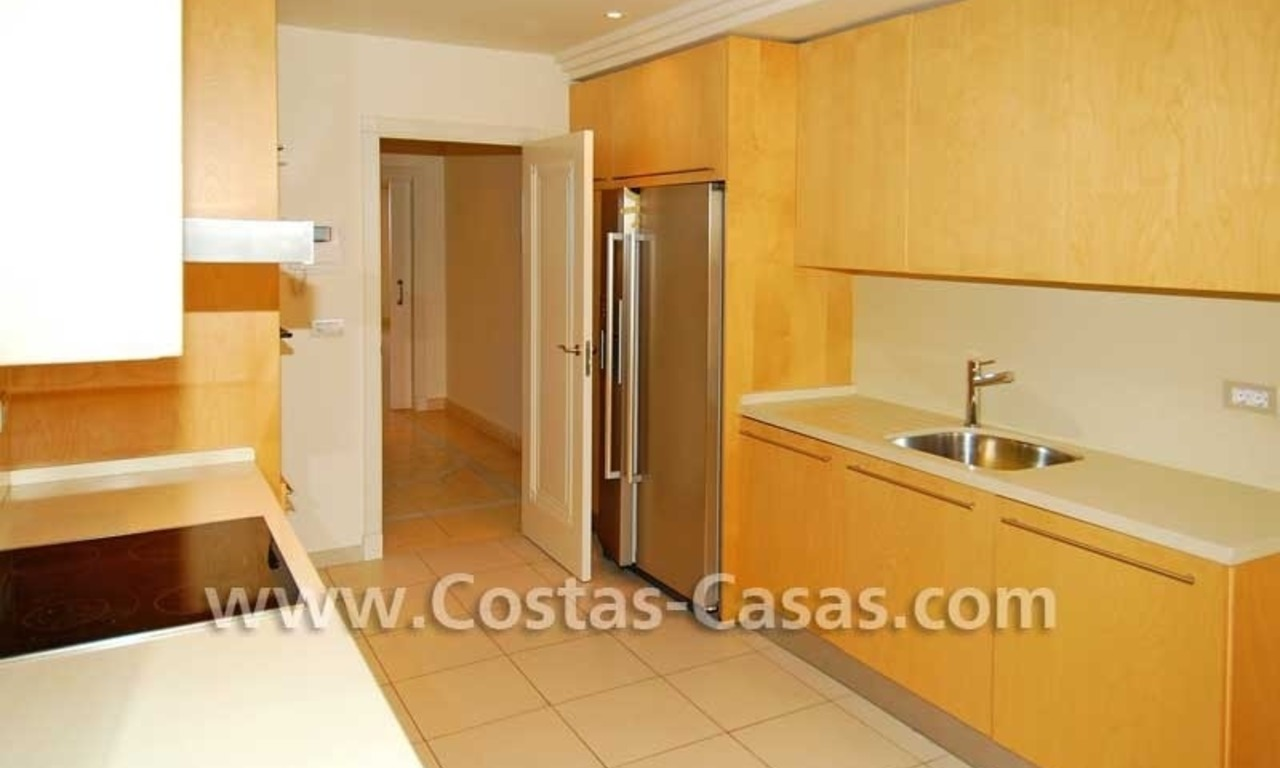 Luxury apartment for sale in a first line beach complex, New Golden Mile, Marbella - Estepona 7