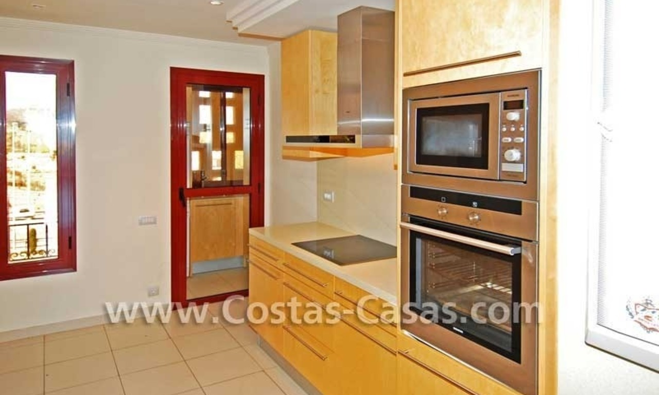 Luxury apartment for sale in a first line beach complex, New Golden Mile, Marbella - Estepona 8