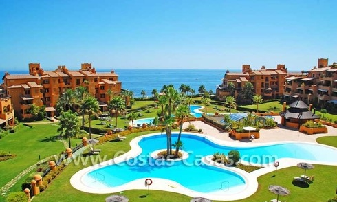 Luxury apartment for sale in a first line beach complex, New Golden Mile, Marbella - Estepona