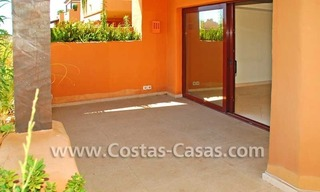 Luxury apartment for sale in a first line beach complex, New Golden Mile, Marbella - Estepona 3