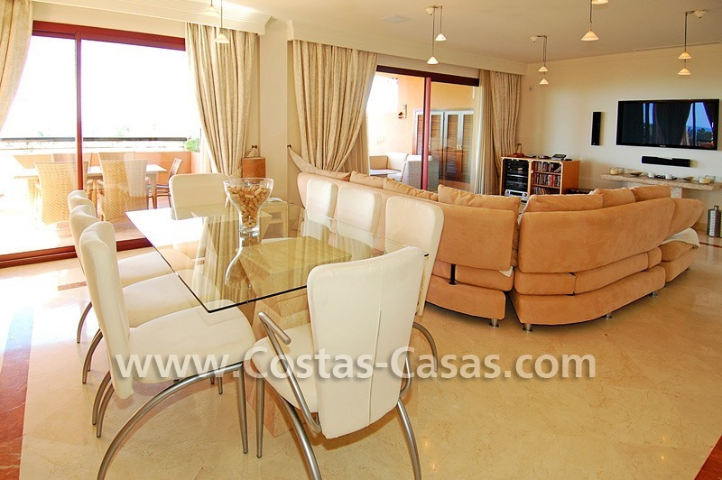 Beachside luxury penthouse apartment to buy in Marbella 12