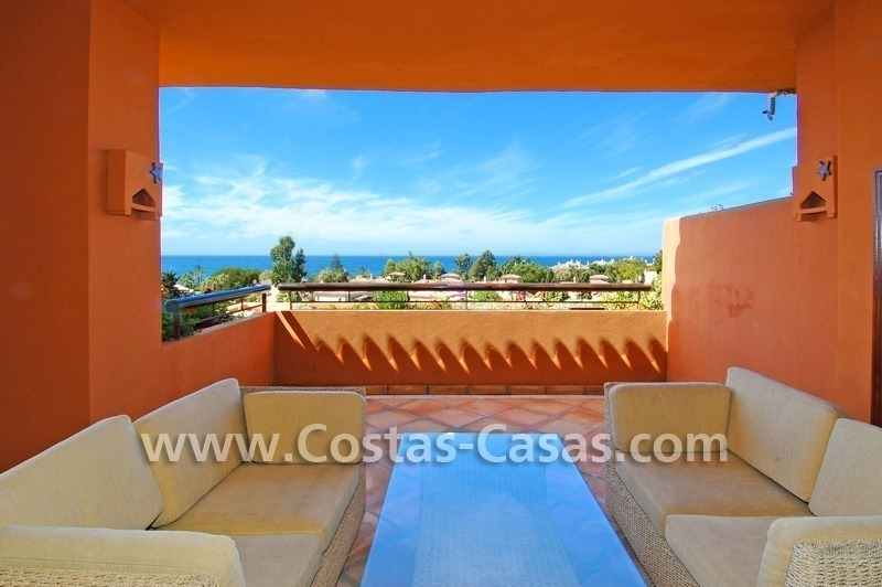 Beachside luxury penthouse apartment to buy in Marbella 9