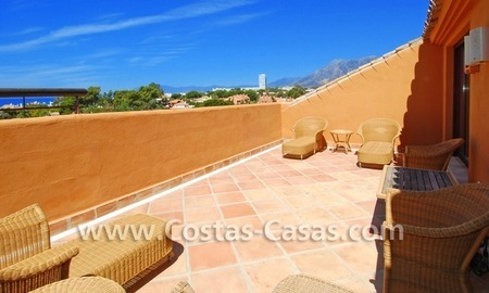 Beachside luxury penthouse apartment to buy in Marbella 18