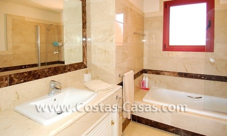 Beachside luxury penthouse apartment to buy in Marbella 21