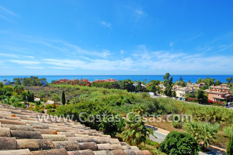Beachside luxury penthouse apartment to buy in Marbella 2