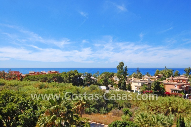 Beachside luxury penthouse apartment to buy in Marbella 4