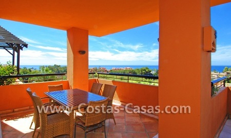 Beachside luxury penthouse apartment to buy in Marbella 7