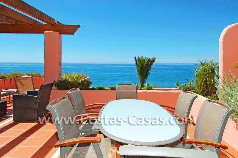 Luxury frontline penthouse apartment for sale, exclusive first line beach complex, New Golden Mile, Marbella - Estepona 1