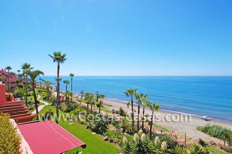 Luxury frontline penthouse apartment for sale, exclusive first line beach complex, New Golden Mile, Marbella - Estepona 5
