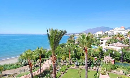 Luxury frontline penthouse apartment for sale, exclusive first line beach complex, New Golden Mile, Marbella - Estepona 7