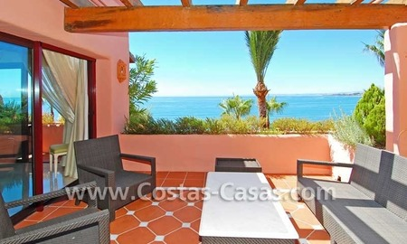 Luxury frontline penthouse apartment for sale, exclusive first line beach complex, New Golden Mile, Marbella - Estepona 2