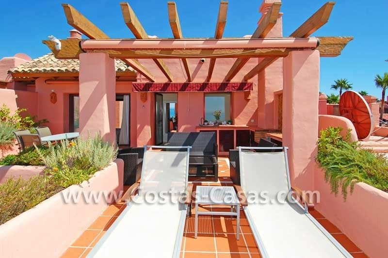 Luxury frontline penthouse apartment for sale, exclusive first line beach complex, New Golden Mile, Marbella - Estepona 3