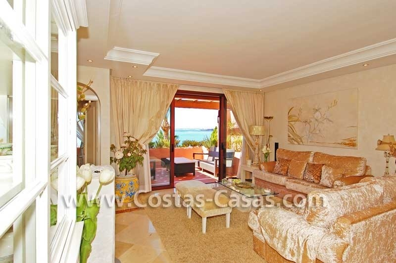Luxury frontline penthouse apartment for sale, exclusive first line beach complex, New Golden Mile, Marbella - Estepona 9