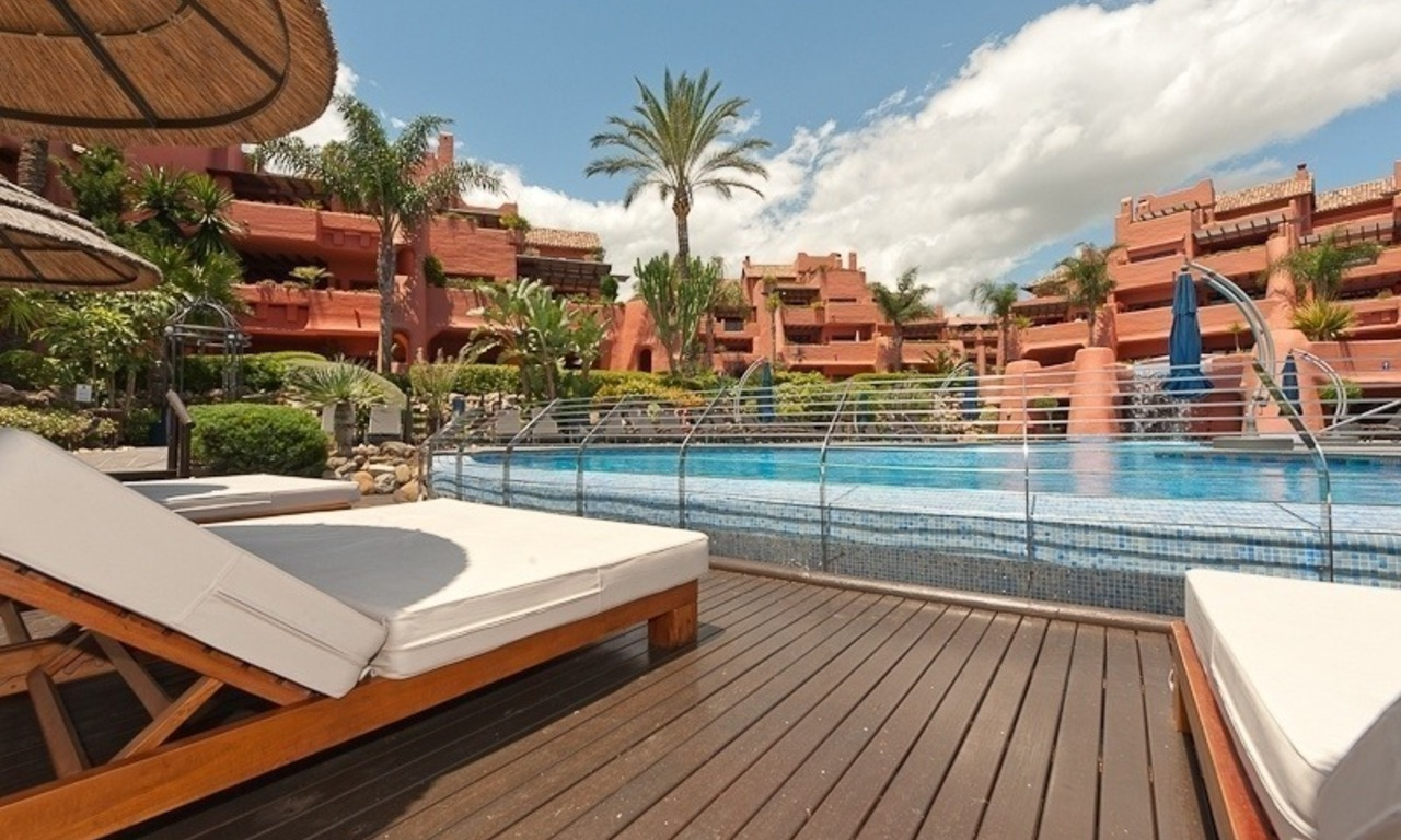 Luxury penthouse apartment for sale in a first line beach complex on the New Golden Mile, Marbella - Estepona 22