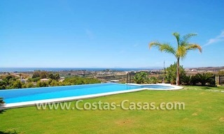 Luxury villa for sale, exclusive golf resort, New Golden Mile, Puerto Banus - Marbella, Benahavis - Estepona 1