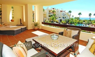 Luxury apartment for sale, frontline beach complex, New Golden Mile, Marbella - Estepona 2
