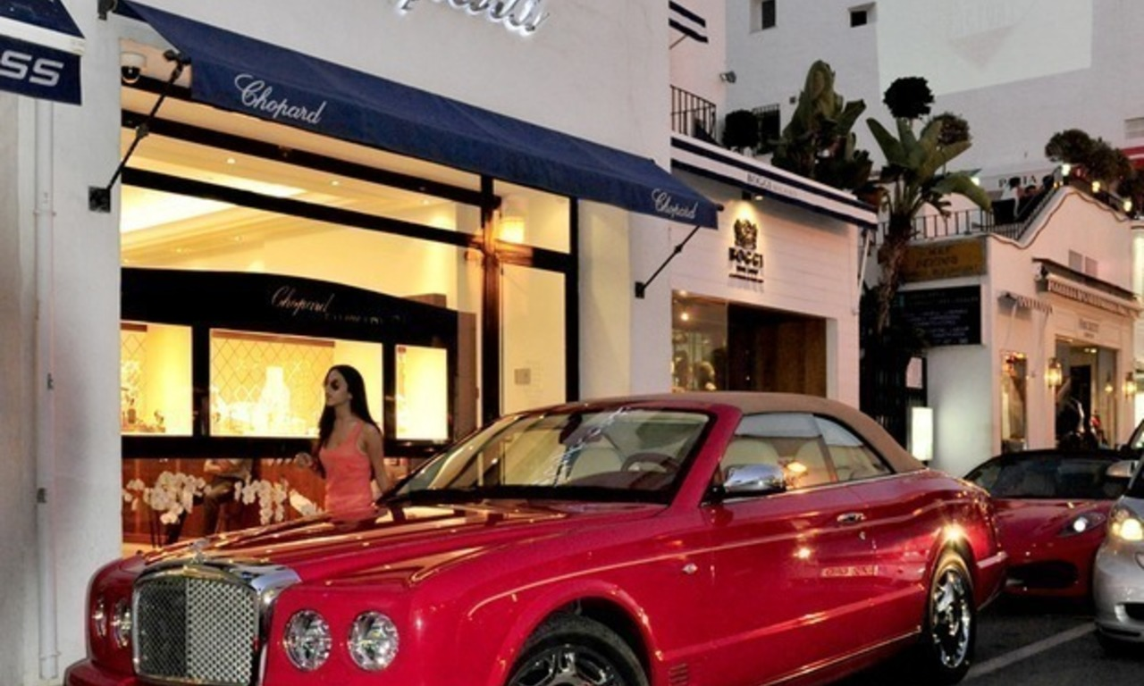 Day and nightlife in Puerto Banus Marbella 10