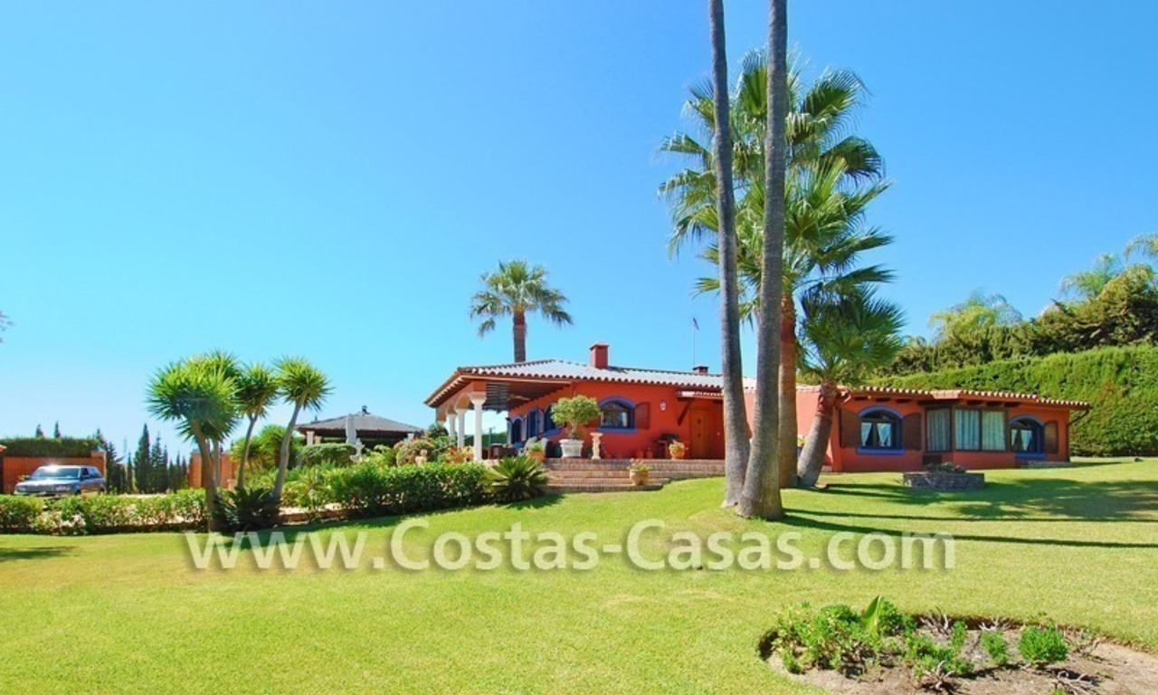 Rustic villa for sale on the New Golden Mile, Puerto Banus - Marbella, Benahavis - Estepona 0