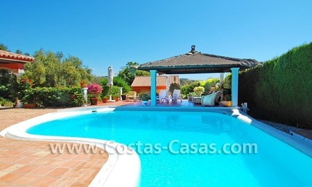 Rustic villa for sale on the New Golden Mile, Puerto Banus - Marbella, Benahavis - Estepona 2